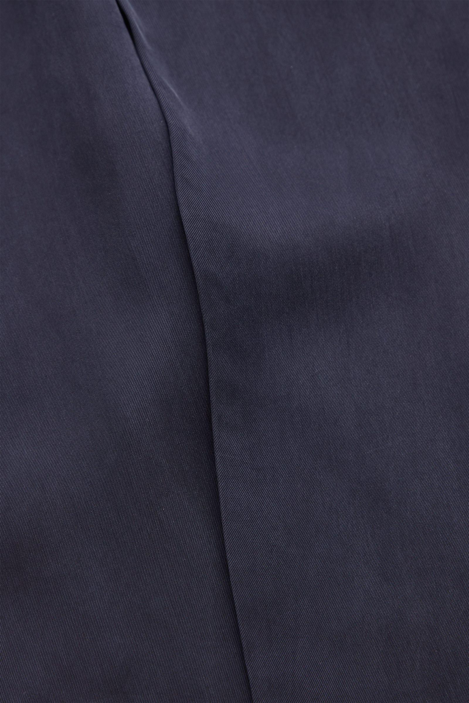 COS 큐프라 스카프의 블랙컬러 Detail입니다.