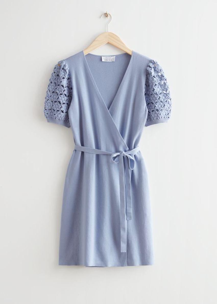 앤아더스토리즈 크로셰 미니 랩 드레스의 라이트 블루컬러 Product입니다.
