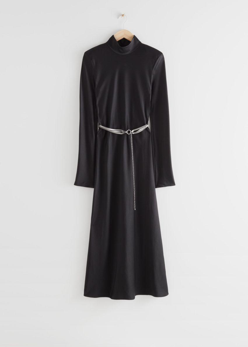 앤아더스토리즈 피티드 패드 숄더 미디 드레스의 블랙컬러 Product입니다.