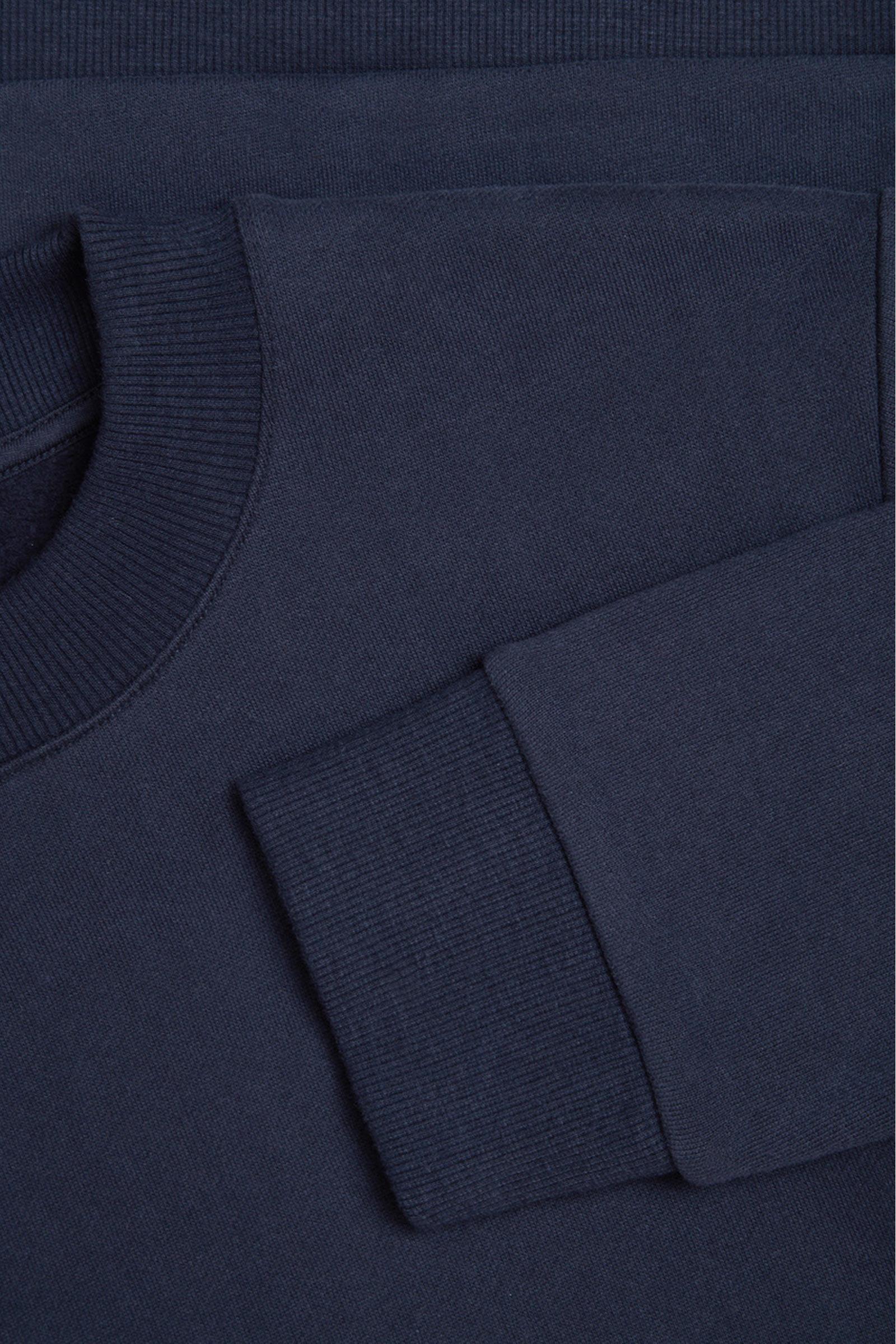 COS 코튼 스웻셔츠의 블루컬러 Detail입니다.