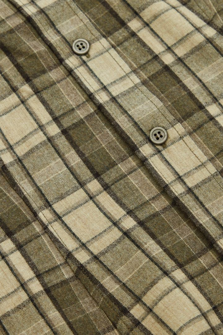 COS 울 믹스 체크 스트럭처드 셔츠 드레스의 베이지 / 브라운컬러 Detail입니다.