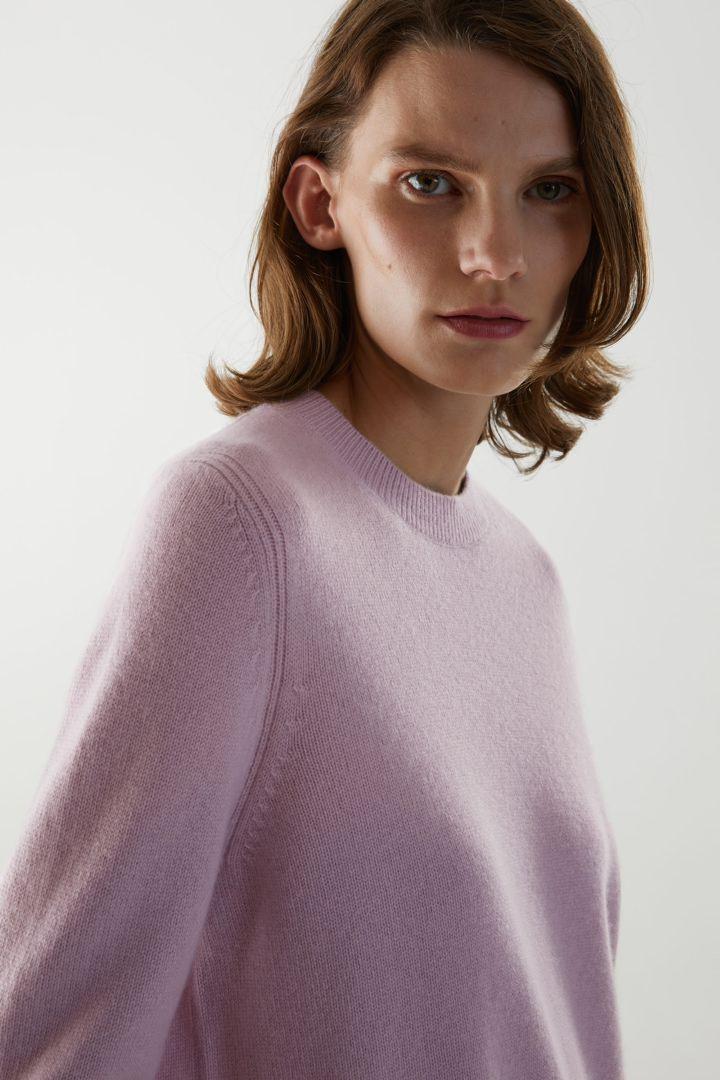 COS hover image 11 of 핑크 in 캐시미어 리브 디테일 스웨터