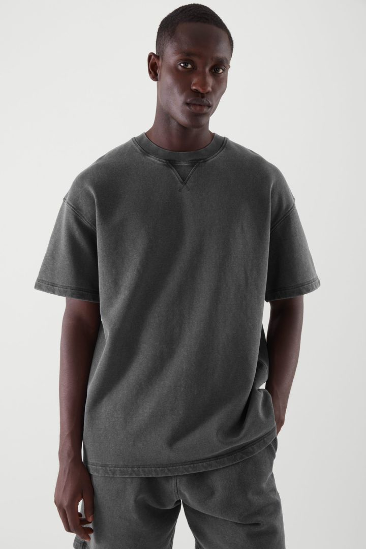 COS default image 3 of 그레이 in 오버사이즈 핏 스웨트 티셔츠