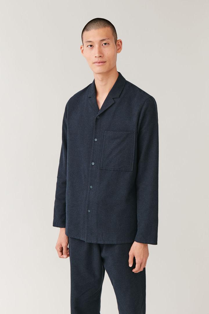 COS default image 7 of 블루 in 코튼 파자마 셔츠