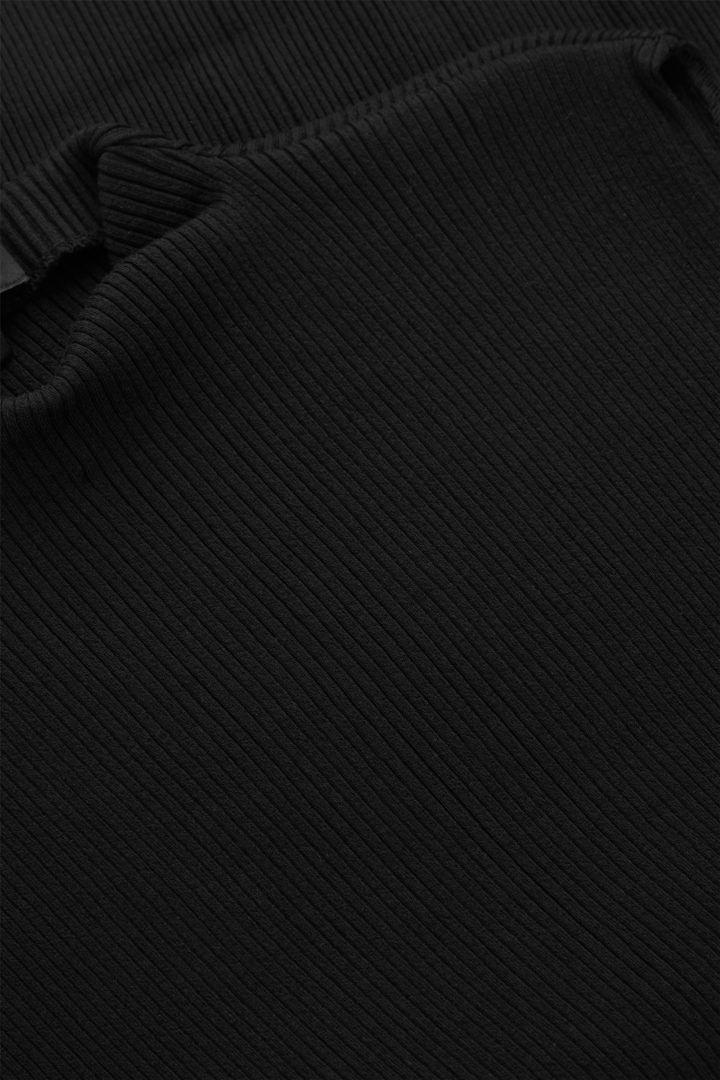 COS 오가닉 코튼 오버사이즈 칼라 니티드 베스트의 블랙컬러 Detail입니다.