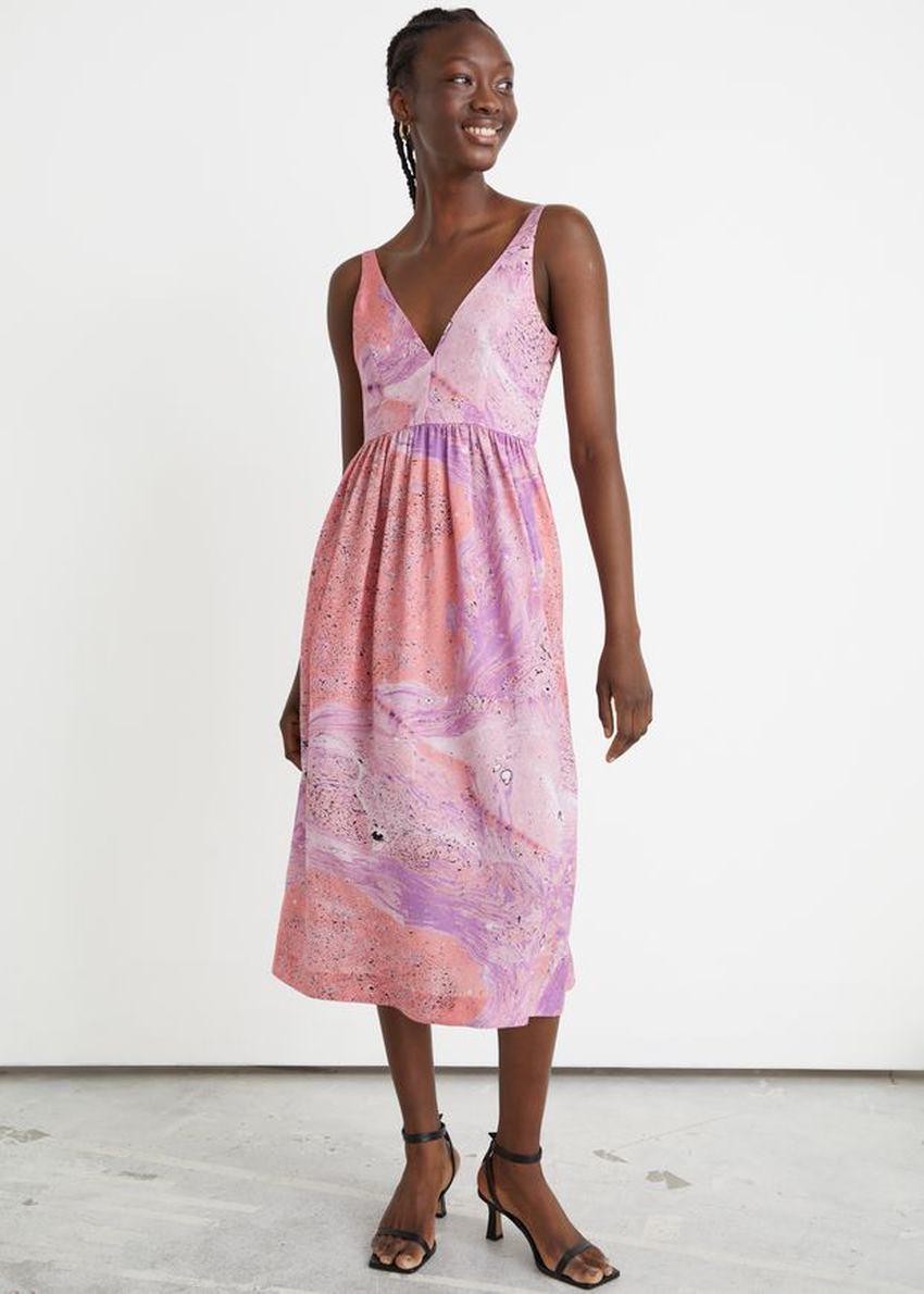 앤아더스토리즈 프린트 슬리브리스 미디 드레스의 핑크 워터컬러컬러 ECOMLook입니다.