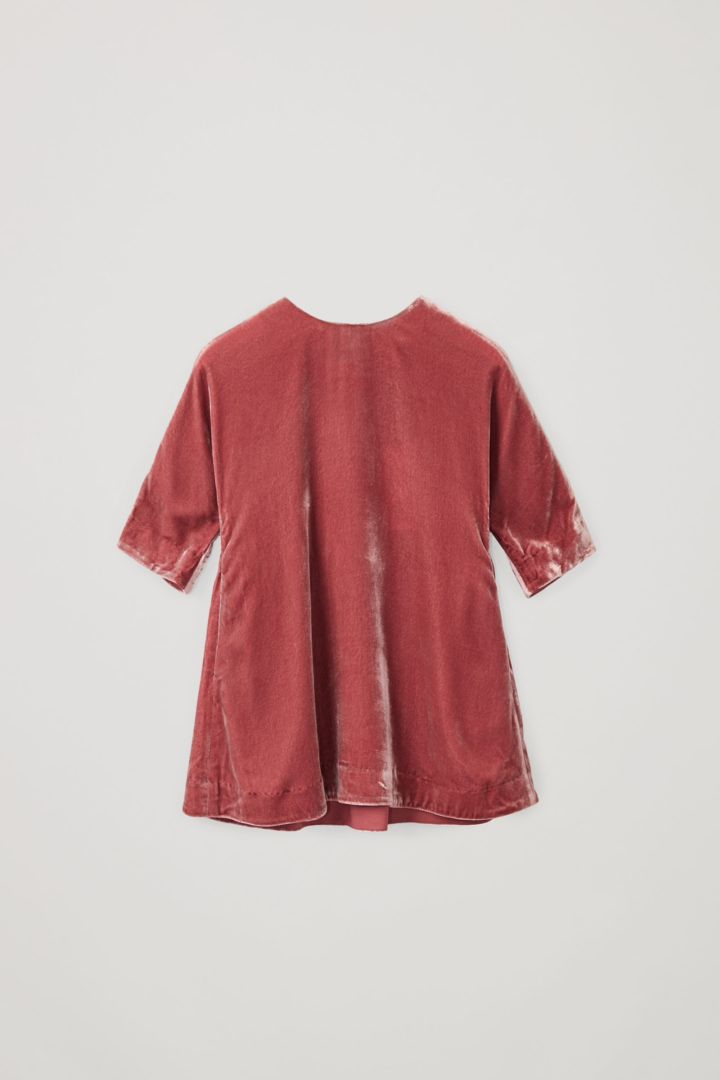 COS default image 4 of 핑크 in 나일론 실크 믹스 루쉬드 패널 드레스