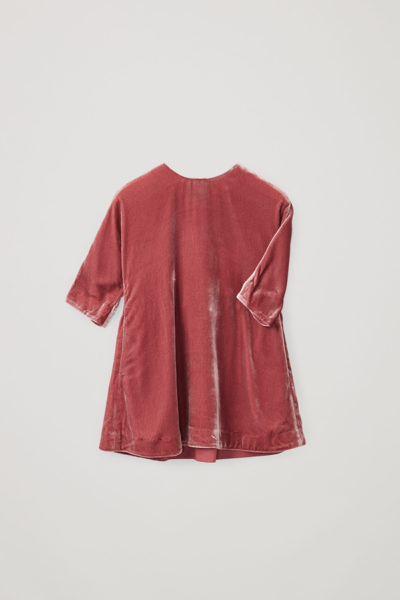 COS hover image 9 of 핑크 in 나일론 실크 믹스 루쉬드 패널 드레스