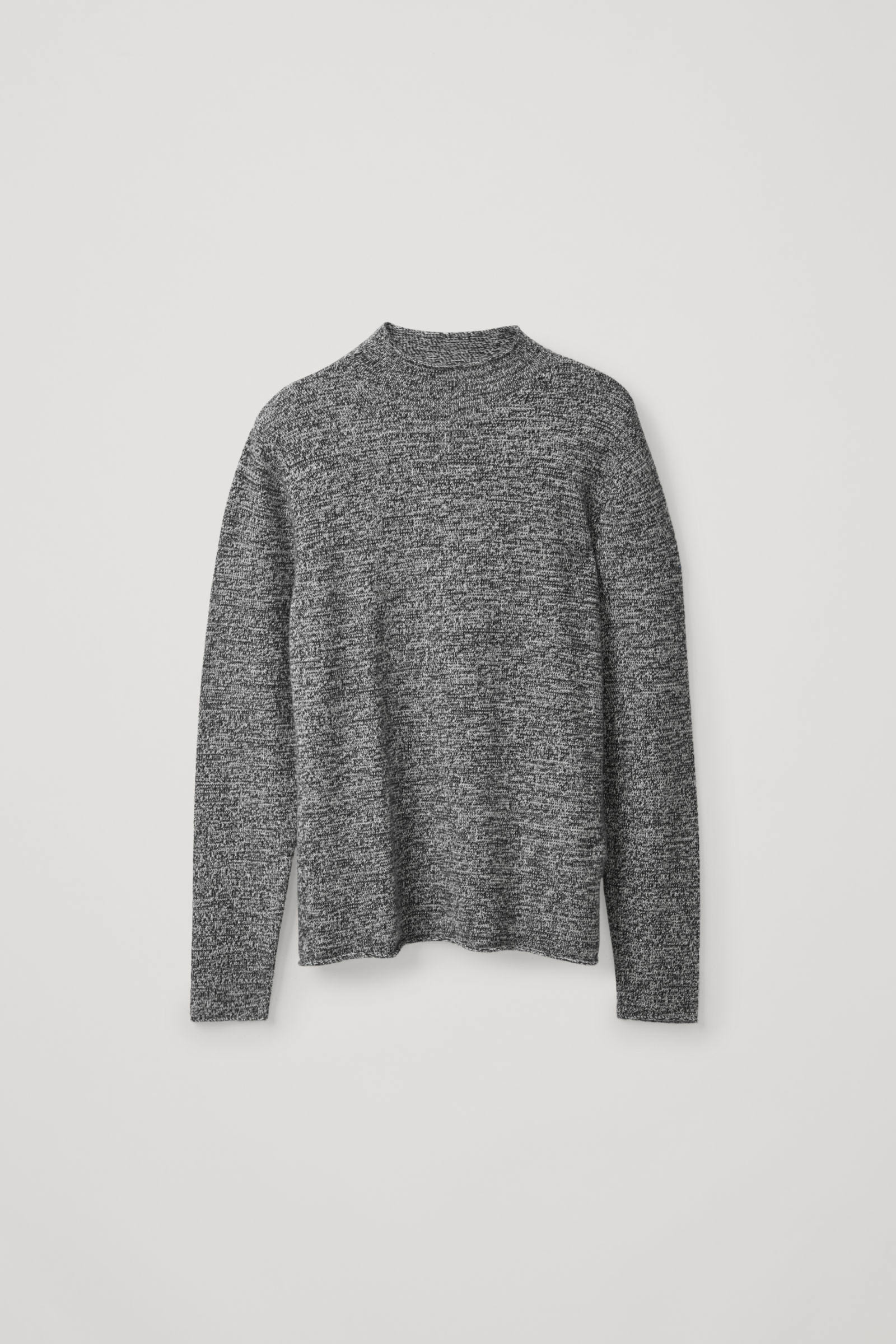 COS 롤 엣지 캐시미어 스웨터의 블랙 / 그레이컬러 Product입니다.