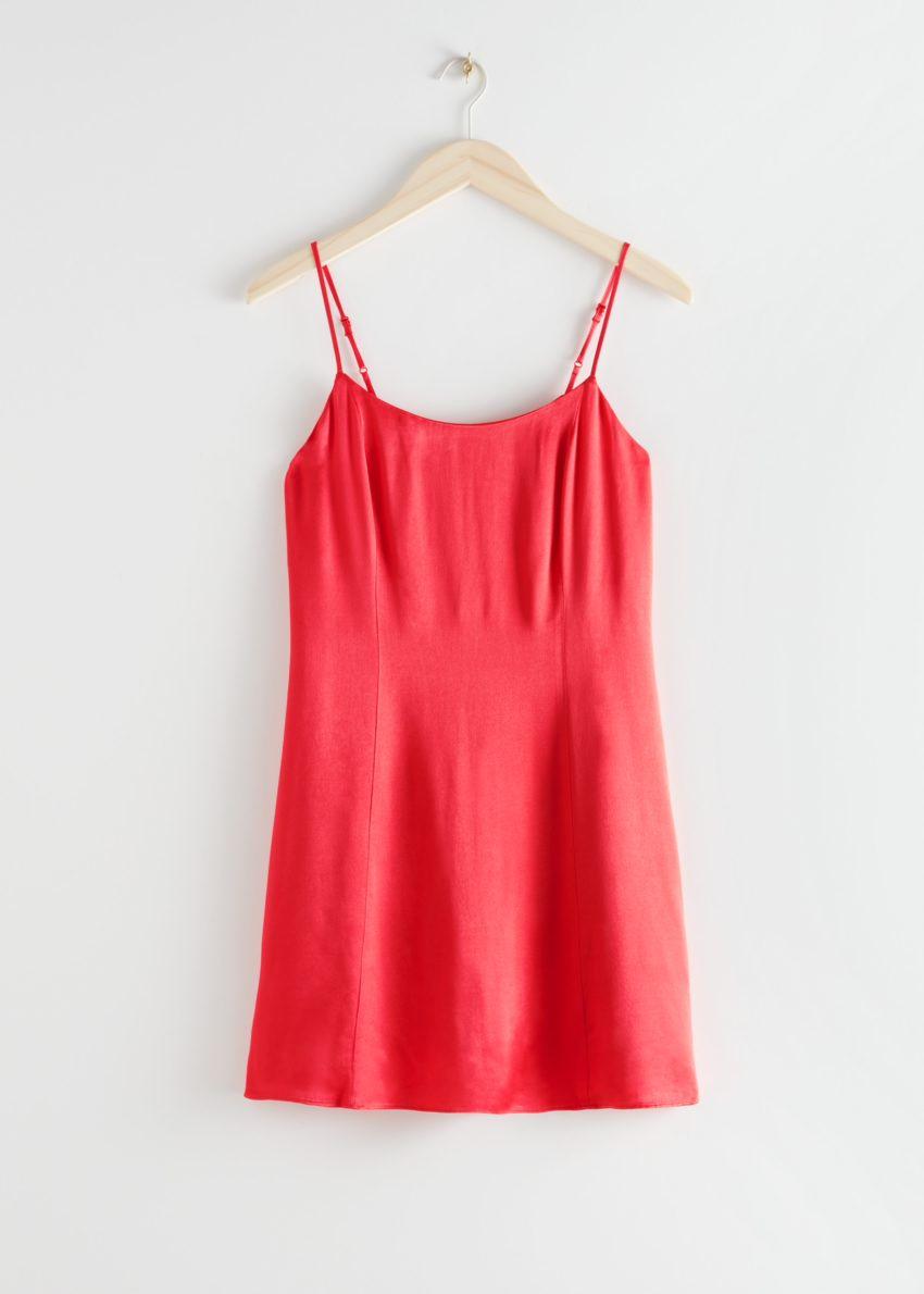 앤아더스토리즈 스파게티 스트랩 미니 드레스의 레드컬러 Product입니다.