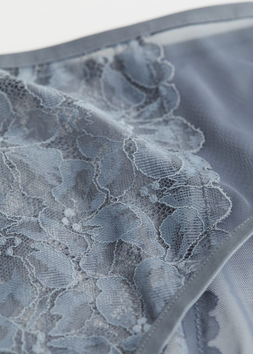 앤아더스토리즈 플로럴 레이스 브리프의 피존 블루컬러 Detail입니다.