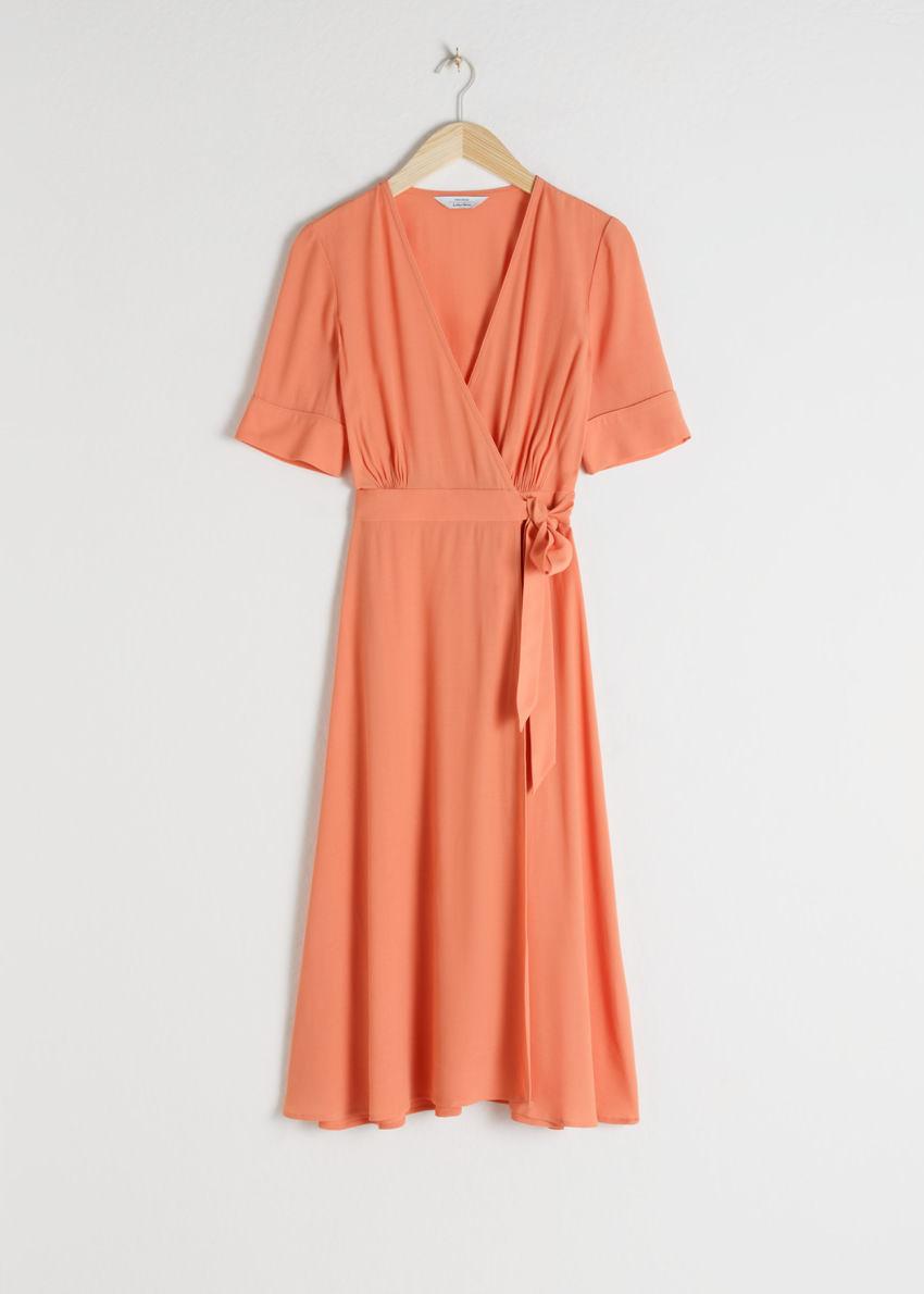 앤아더스토리즈 미디 랩 드레스의 오렌지컬러 Product입니다.