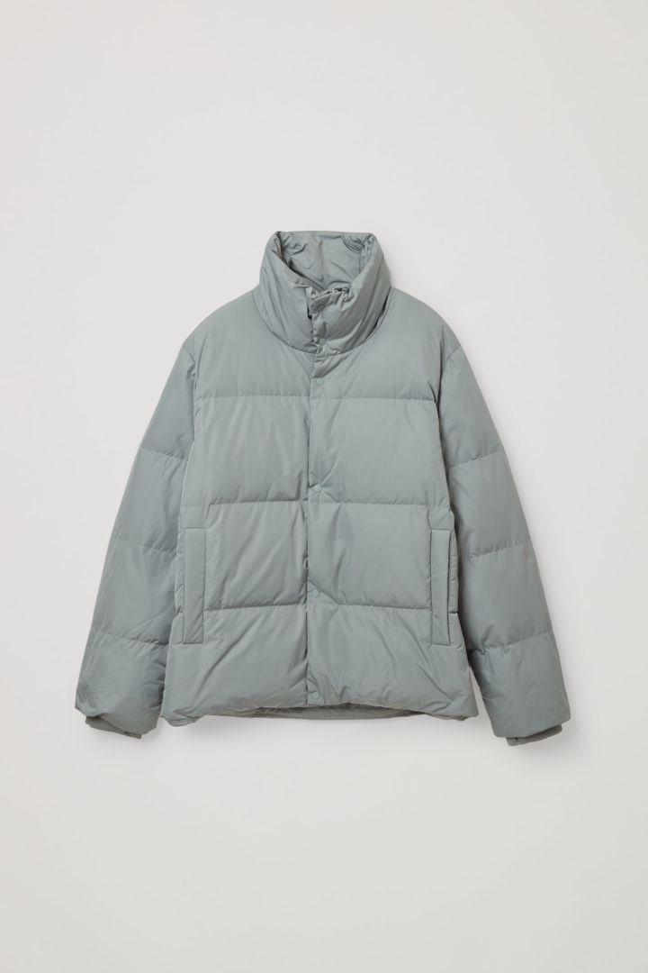 COS 쇼트 패딩 재킷의 그레이컬러 Product입니다.