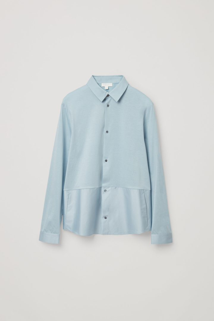 COS 오가닉 코튼 컨트래스트 패널 셔츠의 라이트 블루컬러 Product입니다.