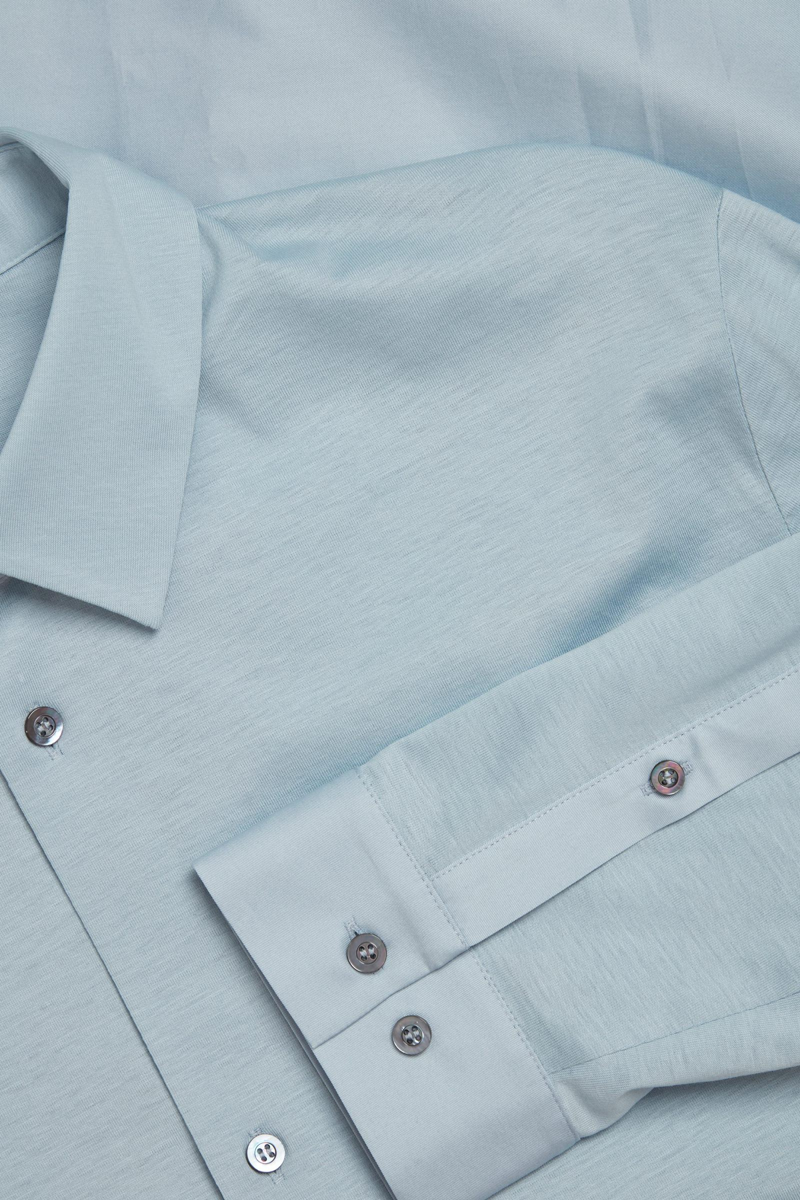 COS 오가닉 코튼 컨트래스트 패널 셔츠의 라이트 블루컬러 Detail입니다.