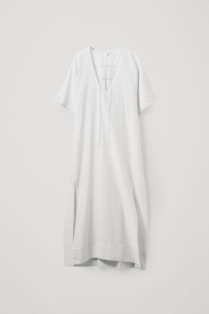 COS 코튼 멀버리 실크 카프탄 드레스의 라이트 그레이컬러 Product입니다.