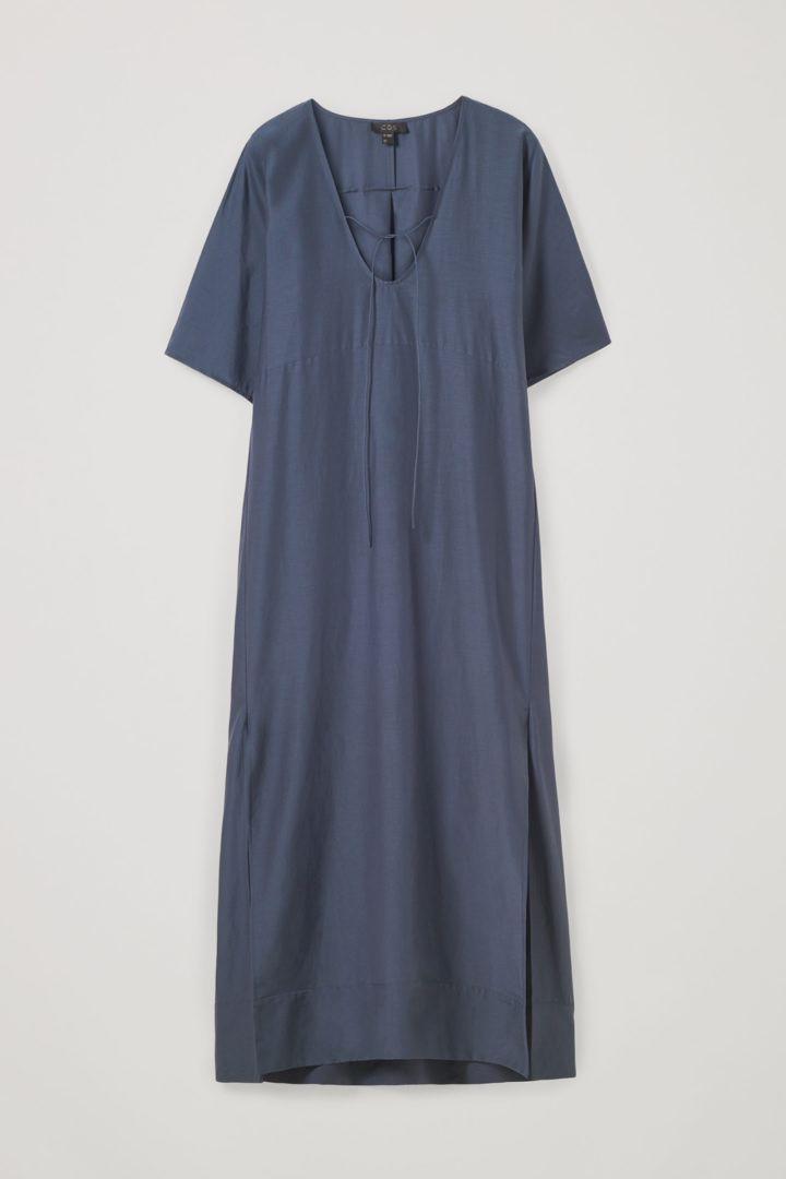 COS 코튼 멀버리 실크 카프탄 드레스의 블루컬러 Product입니다.