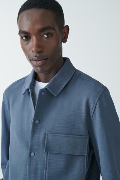 COS default image 8 of 블루 in 코튼 트윌 셔츠 재킷
