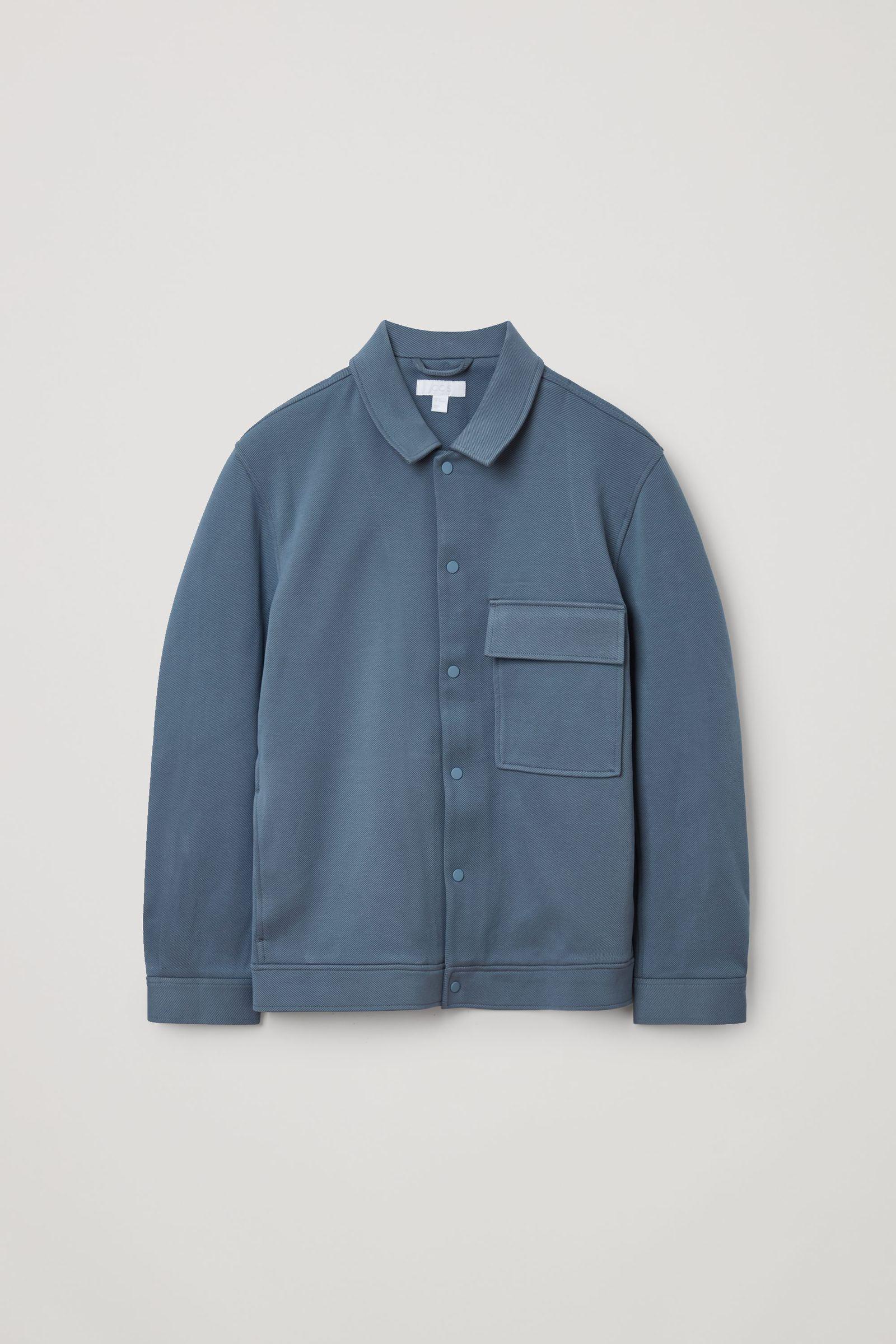 COS 코튼 트윌 셔츠 재킷의 라이트 블루컬러 Product입니다.