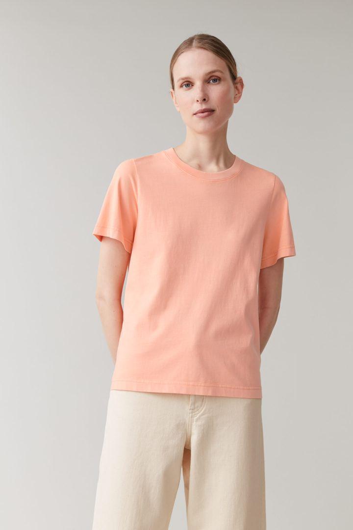 COS default image 9 of 핑크 in 코튼 저지 티셔츠