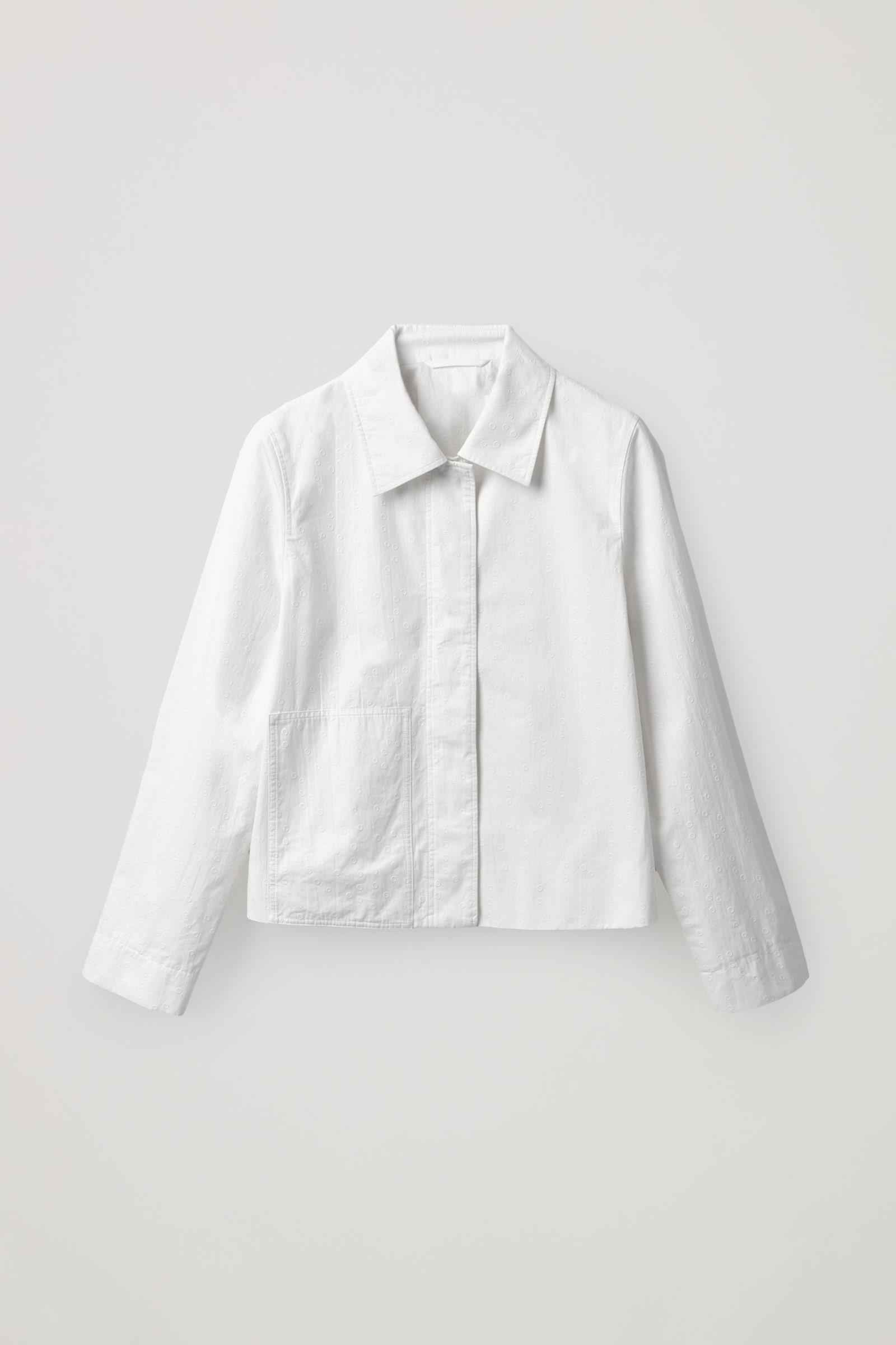 COS 크롭 코튼 재킷의 화이트컬러 Product입니다.