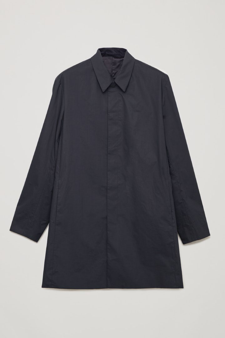 COS hover image 4 of 블루 in 라이트웨이트 코튼 카 코트