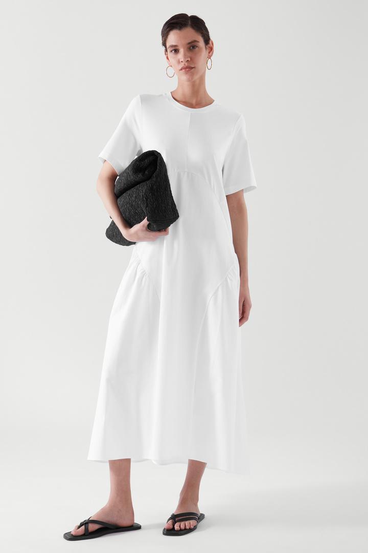 COS default image 8 of  in 플리티드 롱 티셔츠 드레스