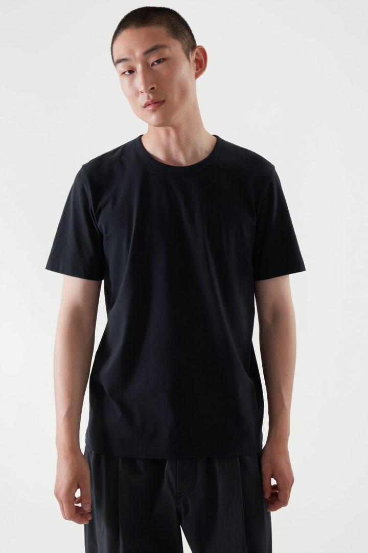 COS default image 4 of 블루 in 레귤러 핏 브러쉬드 코튼 티셔츠