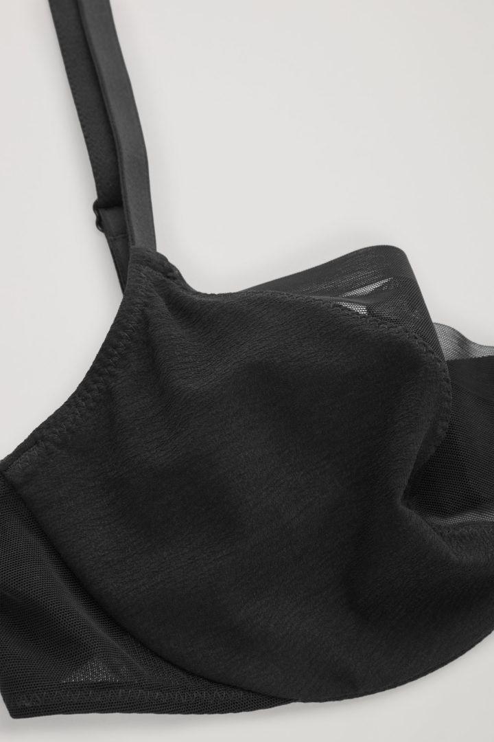 COS 레이스 메쉬 언더와이어 브라의 블랙컬러 Detail입니다.