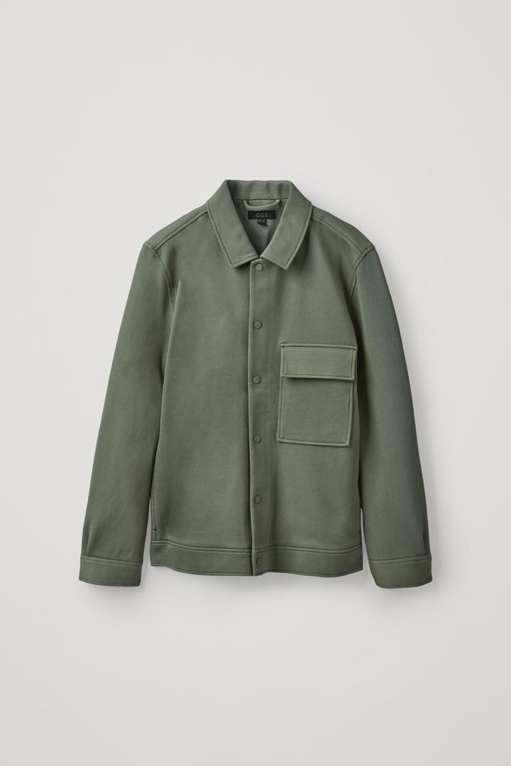 COS 코튼 트윌 셔츠 재킷 의 세이지 그린컬러 Product입니다.