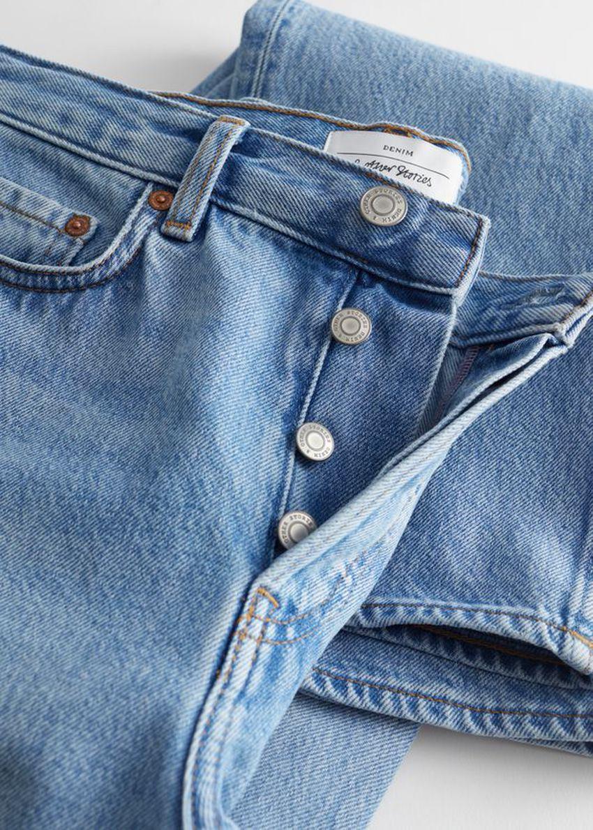 앤아더스토리즈 키퍼 컷 진의 더스티 블루 컬러 Detail입니다.