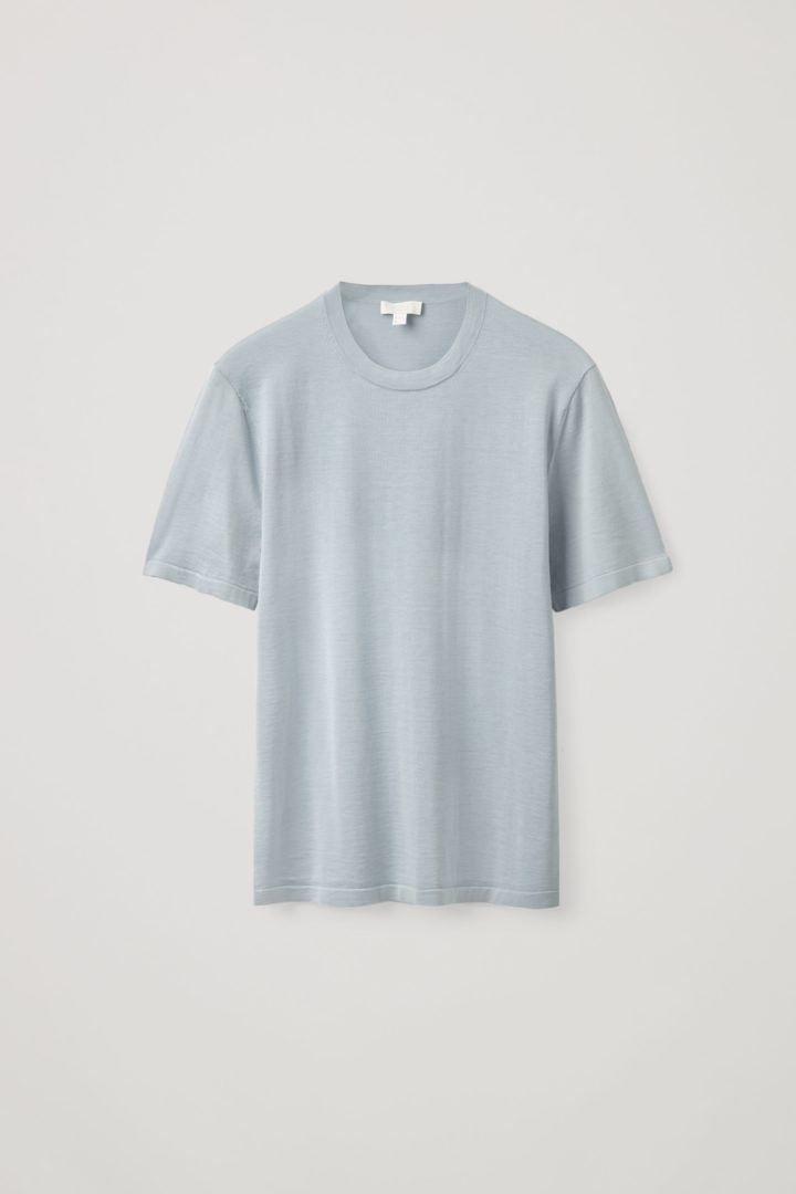 COS hover image 2 of 블루 in 레귤러 핏 니티드 실크 티셔츠