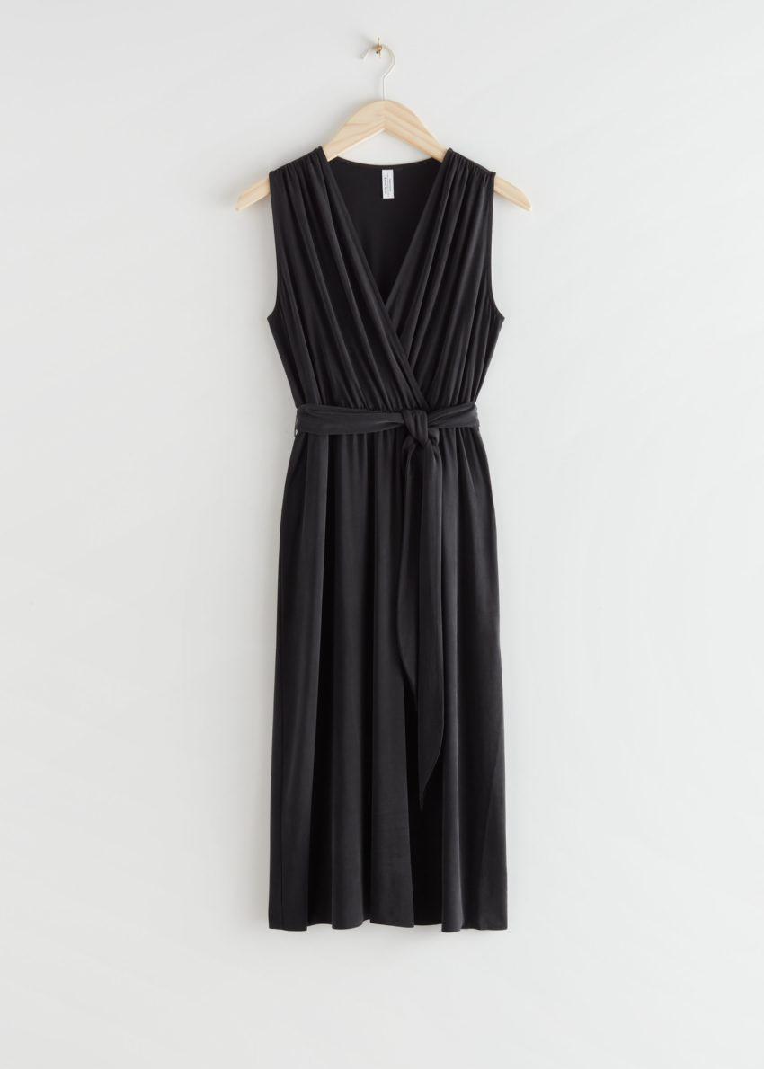 앤아더스토리즈 플런징 쿠프로 미디 드레스의 블랙컬러 Product입니다.