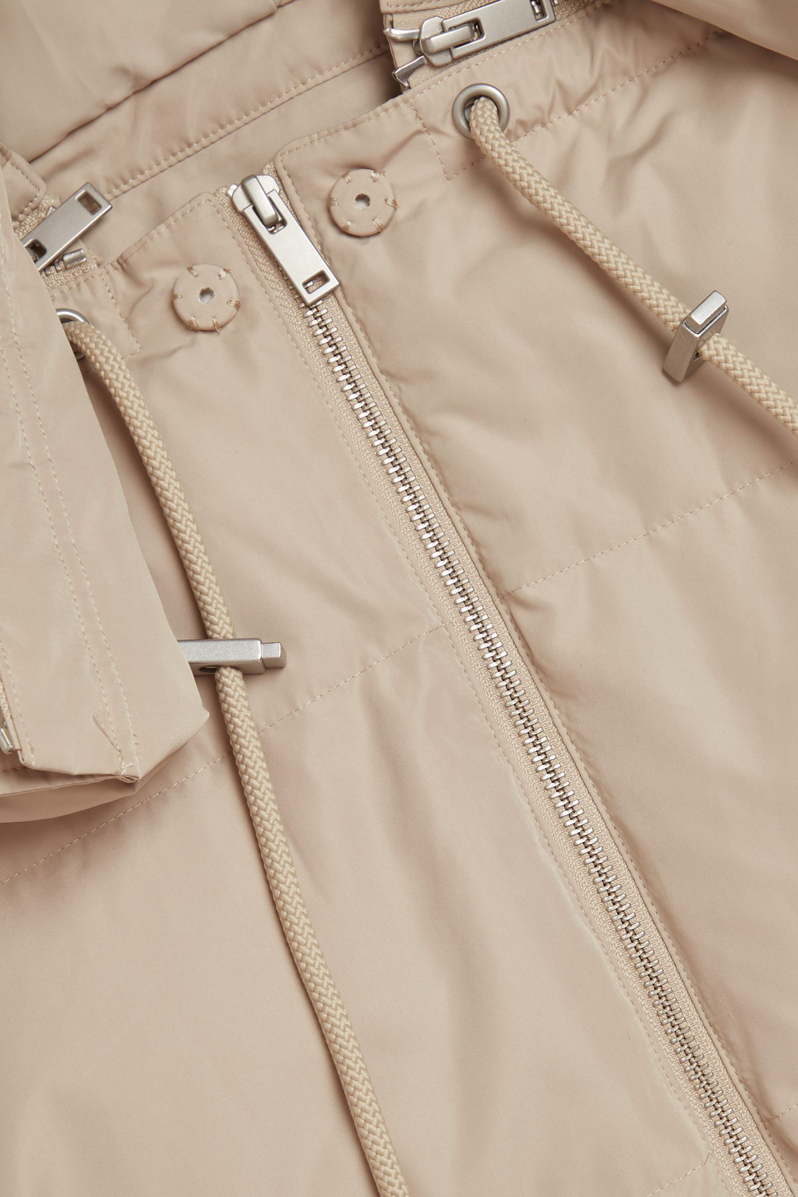 COS 3 in 1 하이브리드 푸퍼 재킷의 베이지컬러 Detail입니다.