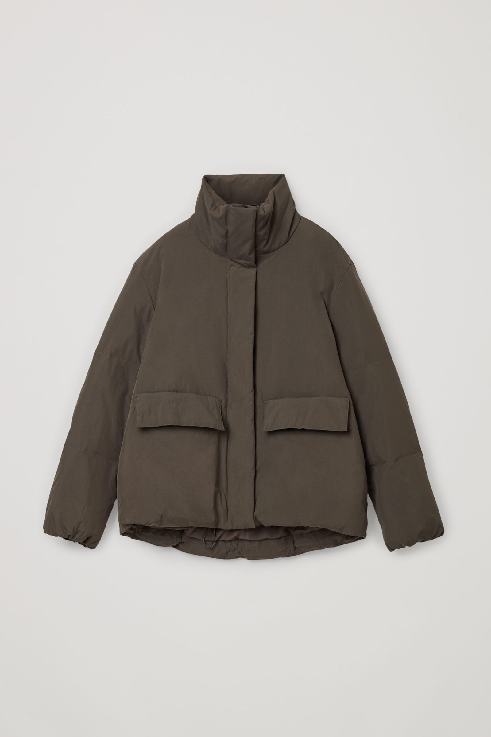 COS 패딩 푸퍼 재킷의 다크 브라운컬러 Product입니다.