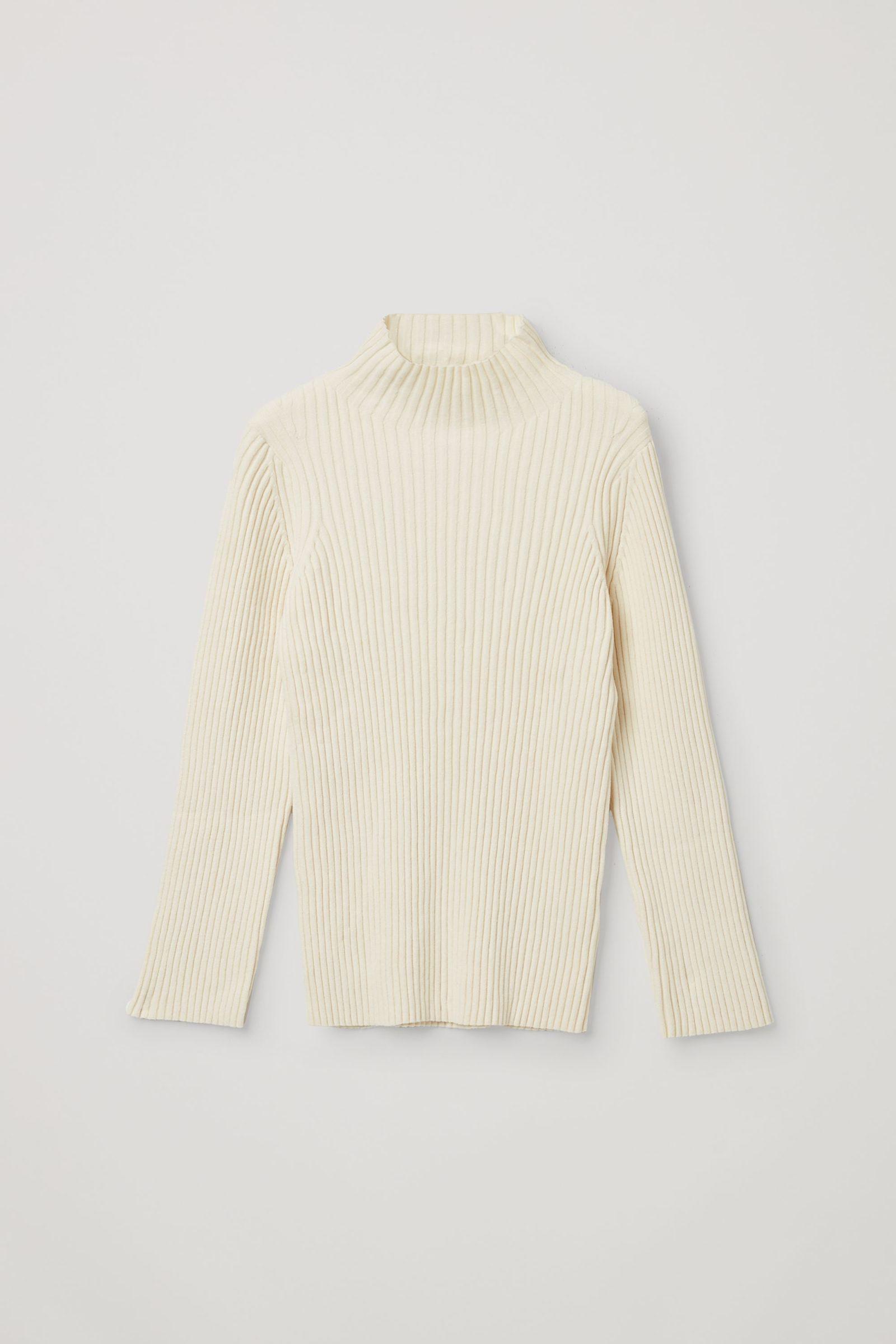 COS 오가닉 코튼 리브 셔닐 스웨터의 화이트컬러 Product입니다.