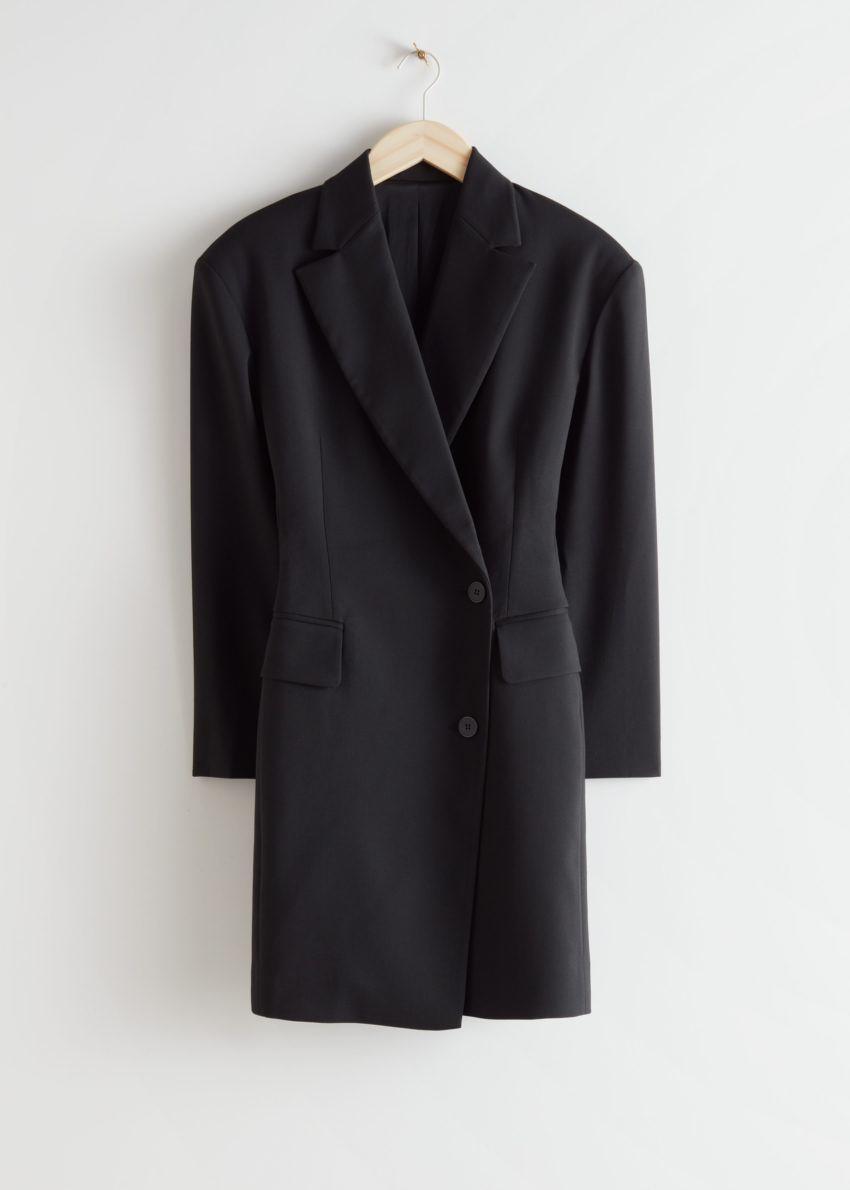 앤아더스토리즈 오버사이즈 아우어글래스 블레이저 미니 드레스의 블랙컬러 Product입니다.