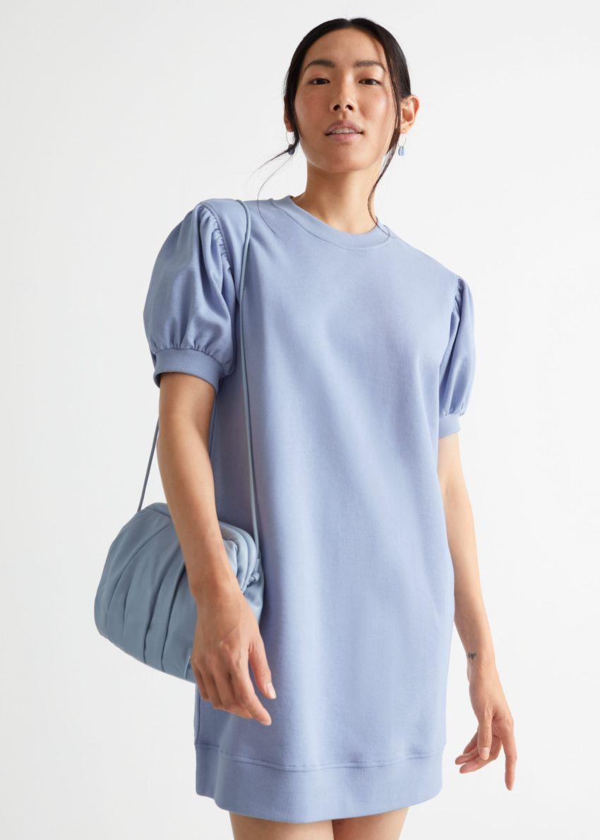 앤아더스토리즈 릴렉스드 저지 미니 드레스의 블루컬러 ECOMLook입니다.