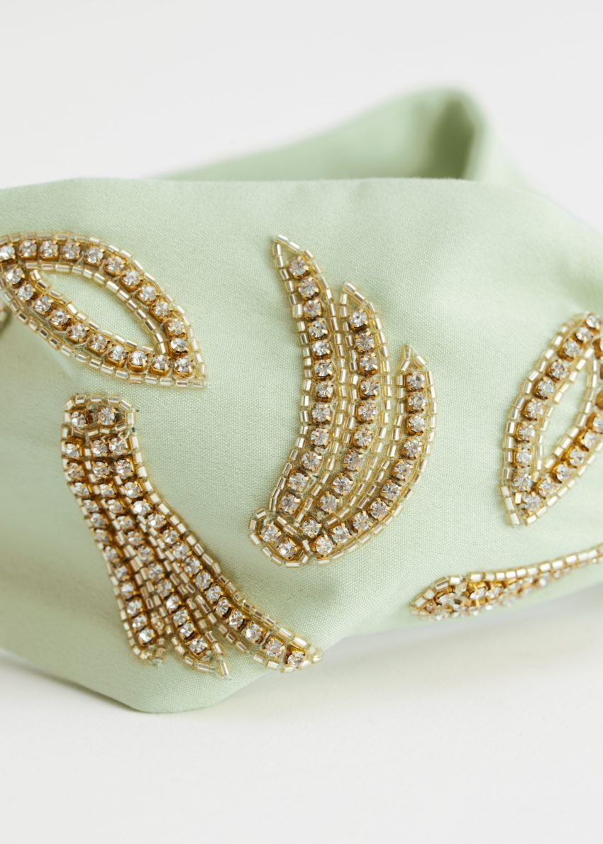 앤아더스토리즈 비즈 프런트 매듭 헤어밴드의 라이트 그린컬러 Detail입니다.