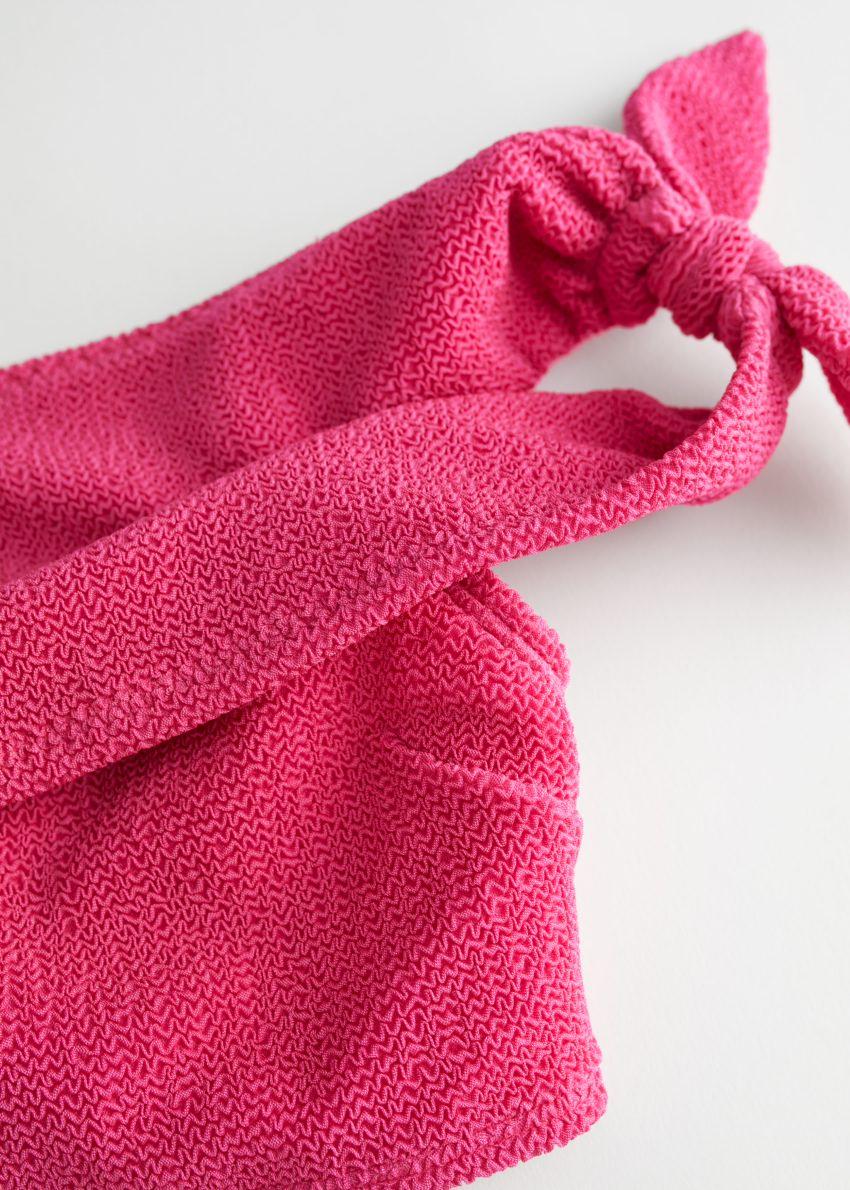 앤아더스토리즈 오프 숄더 방도 비키니 탑의 핑크컬러 Detail입니다.
