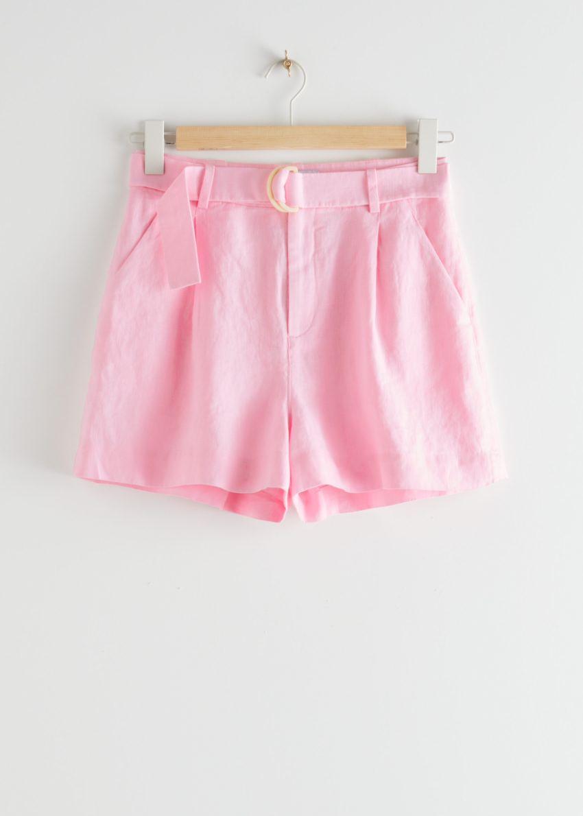 앤아더스토리즈 벨티드 리넨 플리츠 쇼츠의 핑크컬러 Product입니다.