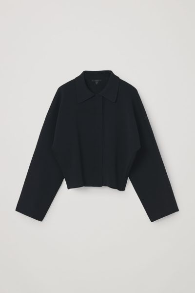 COS hover image 6 of 블랙 in 니티드 크롭트 재킷