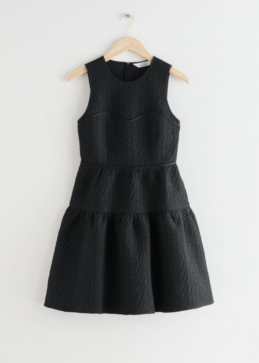 앤아더스토리즈 슬리브리스 자카드 미니 드레스의 블랙컬러 Product입니다.
