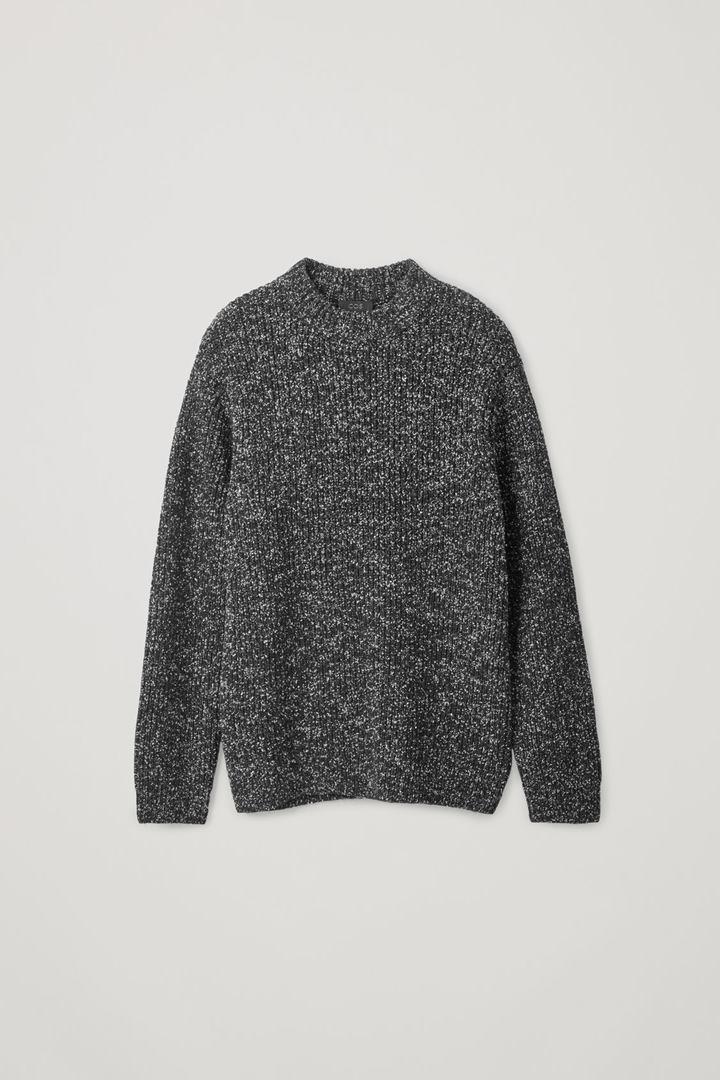 COS hover image 9 of 블랙 in 스페클드 청키 니트 스웨터