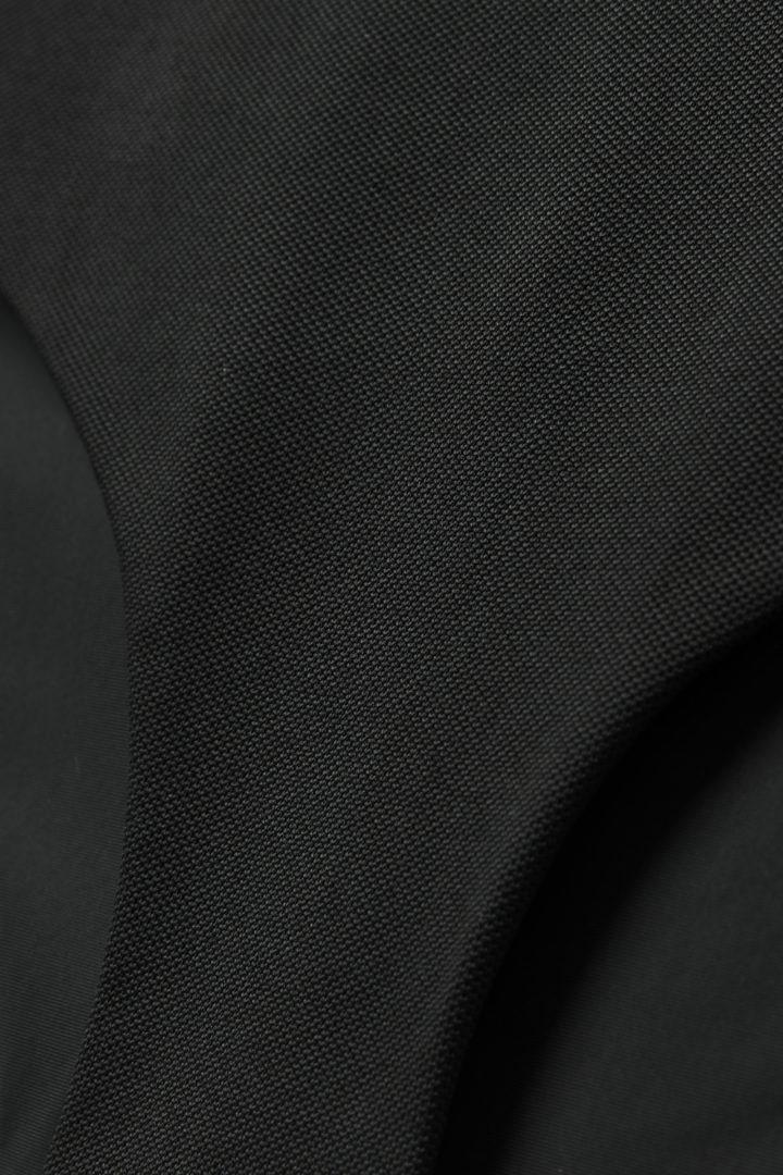 COS 피케 비키니 바텀의 블랙컬러 Detail입니다.