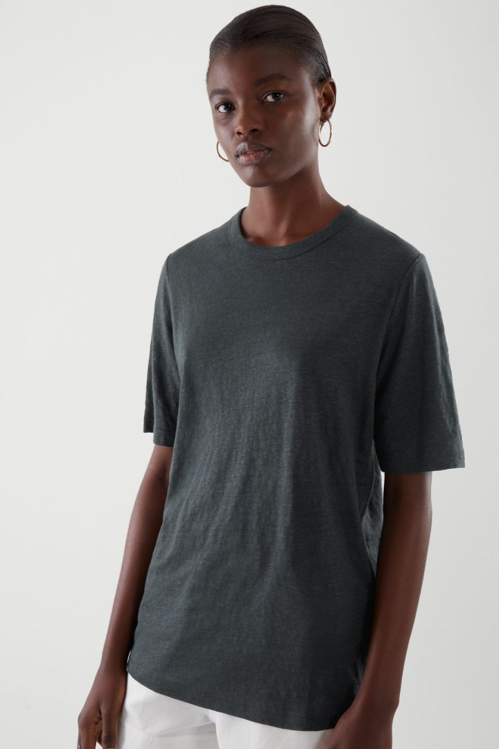 COS default image 2 of 블랙 in 리넨 티셔츠