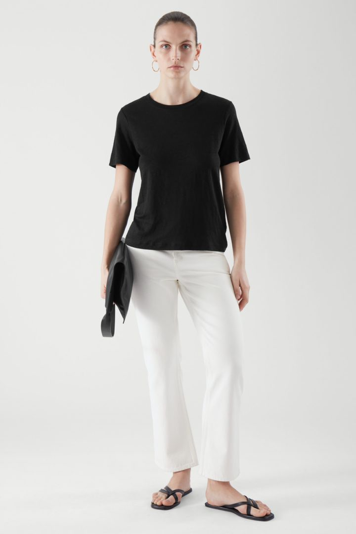 COS default image 7 of 블랙 in 레귤러 핏 리넨 티셔츠