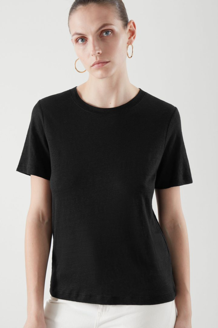 COS default image 6 of 블랙 in 레귤러 핏 리넨 티셔츠