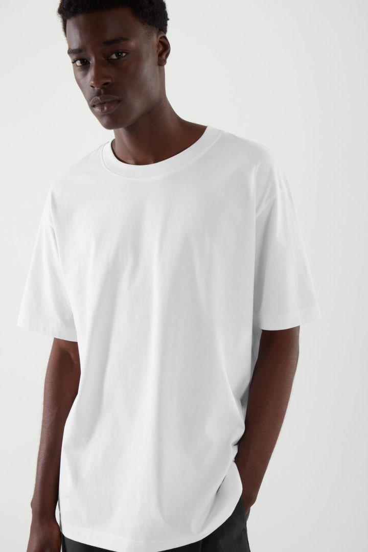 COS default image 4 of 화이트 in 오버사이즈 핏 티셔츠