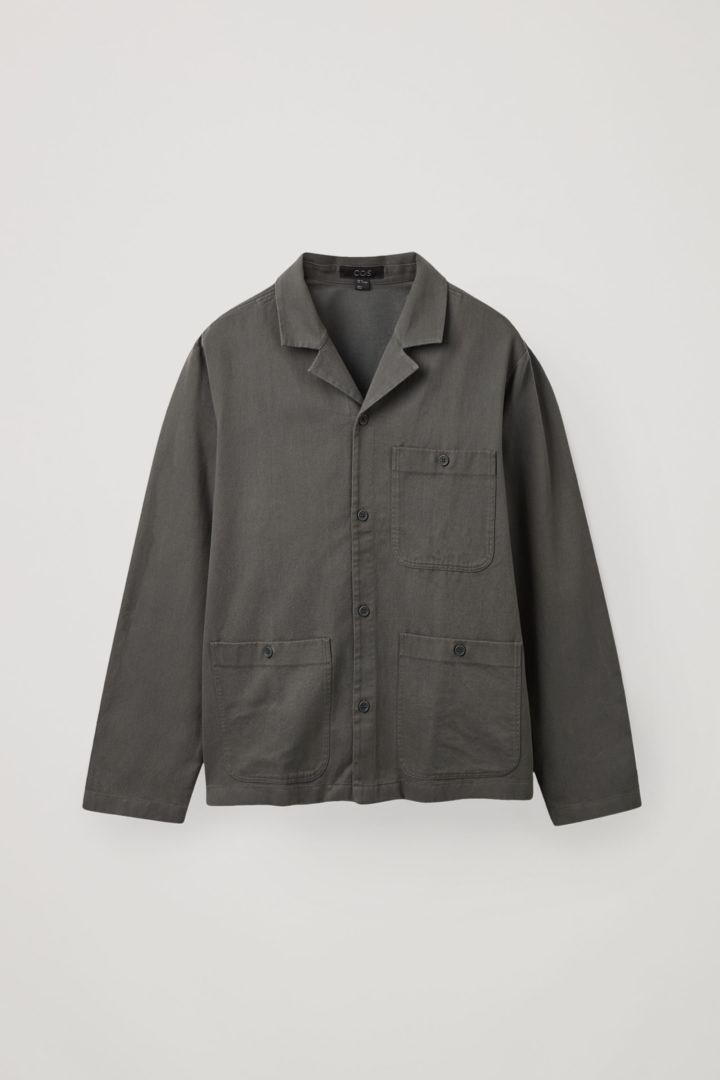 COS 오가닉 코튼 트윌 캠프 칼라 오버셔츠의 다크 그레이컬러 Product입니다.